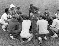 camp mulit sport huddle
